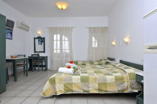 accommodation anixis studio twin beds