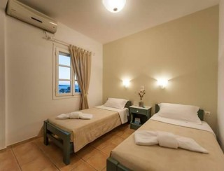 accommodation anixis studios twin room