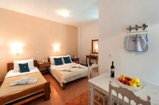 accommodation anixis triple studios