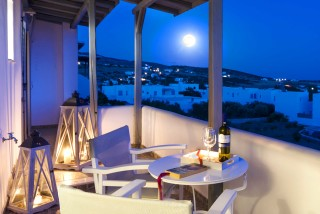 anixis studios in paros moon view